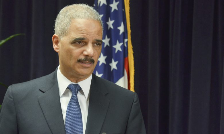 Photo of Obama, Aretha Franklin Give Emotional Tribute to Eric Holder