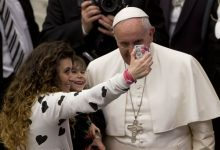 Photo of Pope Praises Big Families After 'Like Rabbits' Remark