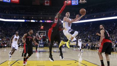 Photo of Curry Breaks 3-Point Record, Warriors Beat Blazers 116-105
