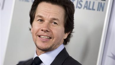 Photo of Ex-Prosecutor: Don't Pardon Mark Wahlberg for Racist Attacks