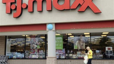 Photo of TJ Maxx, Marshalls to Follow Wal-Mart in Raising Pay