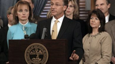Photo of Muslim Group: Tennessee Lawmaker's Facebook Post was Racist