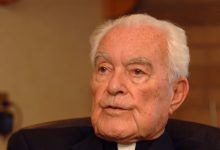 Photo of Notre Dame President Credited for Transforming School Dies