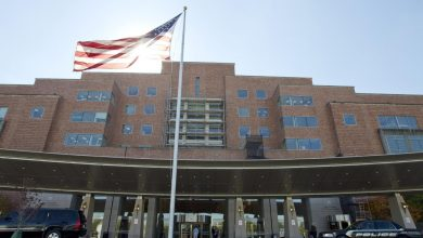 Photo of U.S. Healthcare Worker with Ebola in 'Serious' Condition, NIH Says