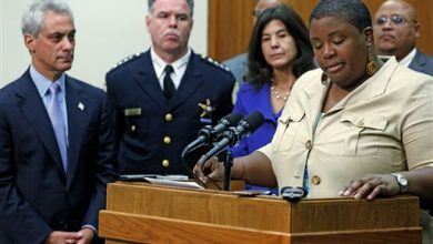 Photo of Violence Wanes in Chicago, but Fear Looms Over Mayor's Race