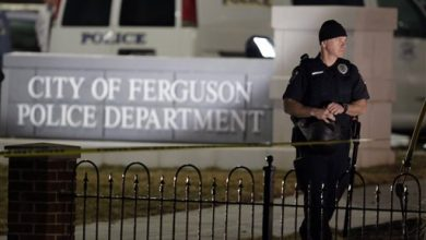 Photo of Ferguson Mayor, Under Fire, Says He Shouldn't Be Held Accountable