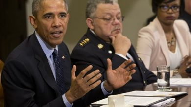 Photo of Obama: 'Now is the Moment' for Police to Make Changes