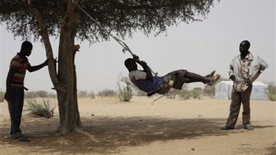 Photo of Boko Haram Refugees Risk Lives to Cross Lake to Chad Camps