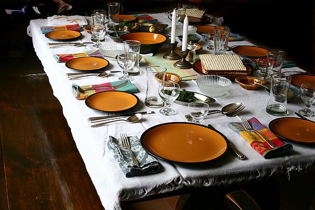 Passover seder (April Killingsworth/Flickr/CC BY 2.0)