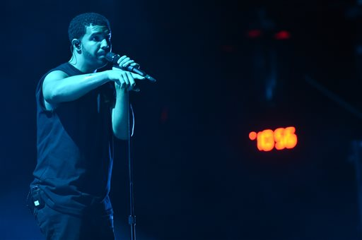 Photo of Drake Celebrates Madonna Kiss on Coachella Stage: 'I Got to Make Out with the Queen'