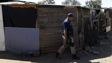 Photo of South Africa Shops Looted Despite Zuma Call for Peace