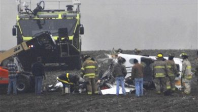 Photo of Friends, Family Mourn 7 Victims of Illinois Plane Crash