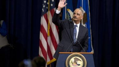 Photo of With Tears And Thanks, Attorney General Eric Holder Says Goodbye