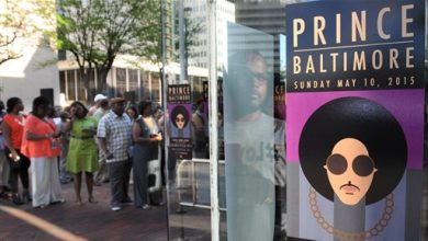 Photo of Prince Promotes Peace at Baltimore Show: 'The System Is Broken'