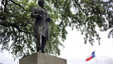Photo of Jefferson Davis Statue at University of Texas Campus Sparks Protest