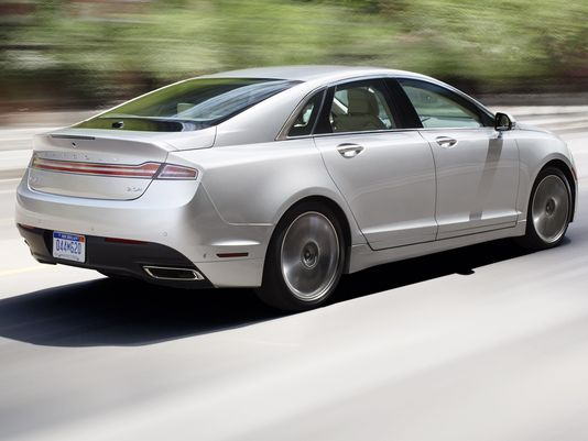 The 2014 Lincoln MKZ is under recall for faulty door latches. (Photo: Lincoln)