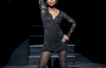 Photo of Singer Brandy Enjoying Her Broadway Debut in 'Chicago'