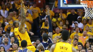 Photo of LeBron's Triple-Double Helps Cavs Top Hawks in Thriller