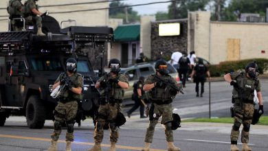 Photo of Obama Puts Stricter Controls on Military-Style for Police