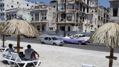 Photo of Topsy-Turvy Laws, Trendiness Bring Cuban Artists Riches