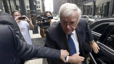 Photo of Hastert Enters Not Guilty Plea During 1st Court Appearance