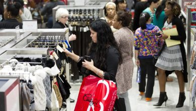 Photo of Study: Minorities in Retail Get Paid Less, Promoted Less