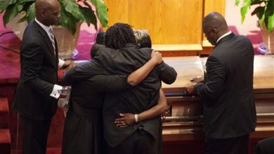 Photo of Hundreds Attend 1st Funerals for US Church Shooting Victims