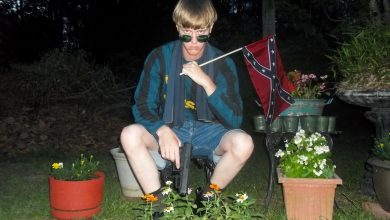 Photo of White Woman Snubbed Charleston Shooter for a Black Man