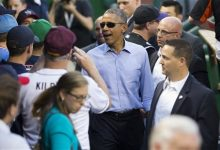 Photo of Obama Stays Neutral in NBA, Roots for NHL's Blackhawks