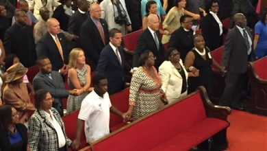 Photo of Mourners Recall SC Shooting Victim in Funeral at Church