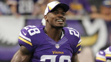 Photo of Adrian Peterson Says He is Returning to Minnesota Vikings