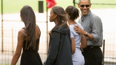 Photo of It's a Dad-Daughter Overnighter in New York for the Obamas