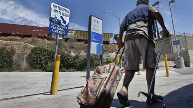 Photo of At Busy Crossing, Pedestrians Need Passport to Enter Mexico