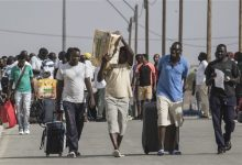 Photo of Israel Releases African Migrants from Detention Center