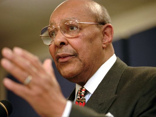 Photo of Biden, Congressional Colleagues Pay Homage to Louis Stokes