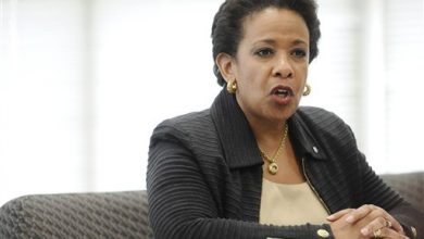 Photo of US Attorney General Praises Police Officers as Peacemakers