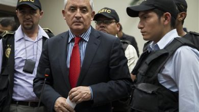 Photo of Guatemala Swears in New President After Perez Molina Resigns