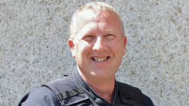 Photo of Oregon Officers Turn In Police Chief, Allege Racism
