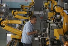 Photo of Robot Revolution Sweeps China's Factory Floors