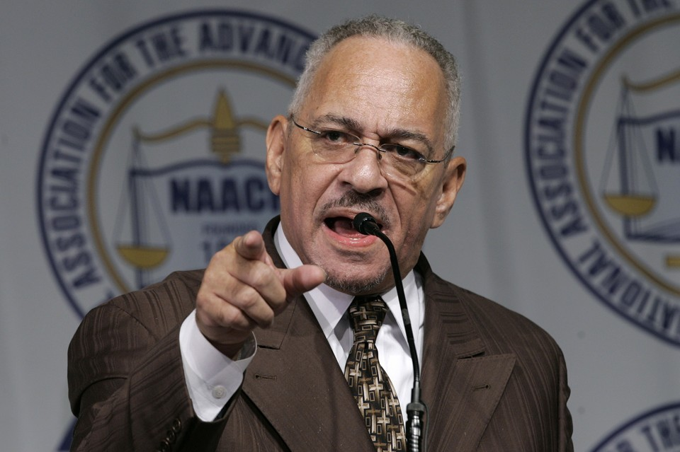 Jeremiah Wright speaks at a Detroit NAACP dinner in April 2008. (Paul Sancya/AP Photo)