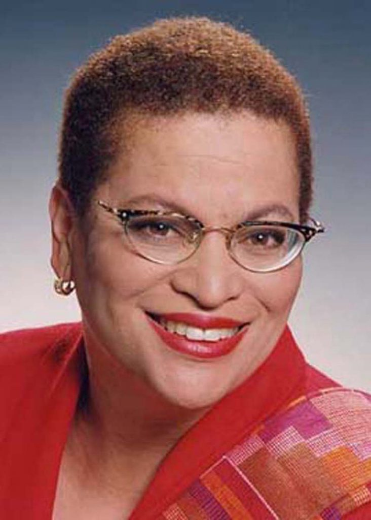 Julianne Malveaux says that  the fact that Bernie Sanders mentioned institutional racism is significant