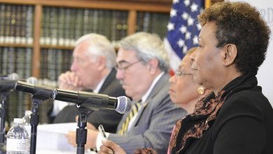 Photo of Lee, Dems Say Republican Spending Policy Unfairly Hurts Families of Color, Students