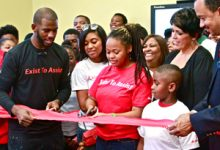 Photo of Chris Paul donates Computer Lab to Crenshaw Afterschool Program