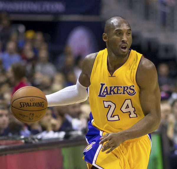 Photo of NBA Legend Kobe Bryant, Daughter Die in Helicopter Crash