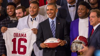 Photo of Obama Welcomes Crimson Tide to White House