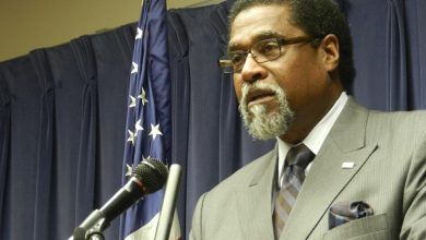 Photo of Darnell Earley Tells His Side