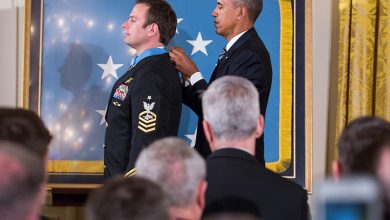 Photo of VIDEO: President Obama Awards Medal of Honor to Navy SEAL