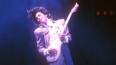 Photo of President Obama, Public Leaders Mourn Prince