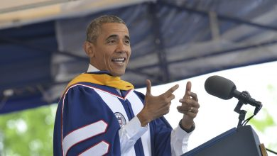 "Photo of President Obama Deserves a ""High Five"" for his Speech at Howard's Graduation"