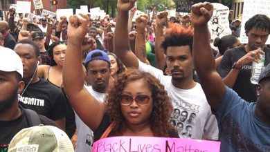 Photo of Protestors Demand Arrest of Police Who Shot and Killed Alton Sterling